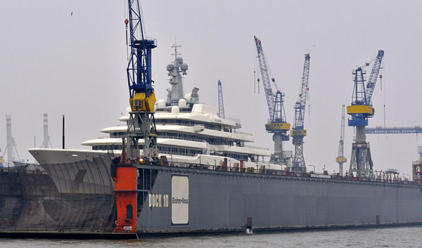 abramovic_yacht_in (2)