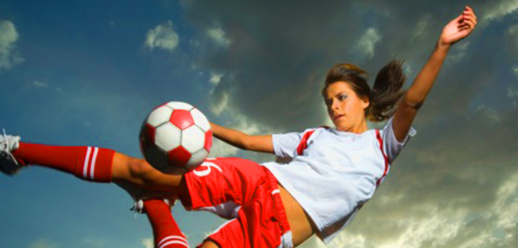 фото девушки футбол